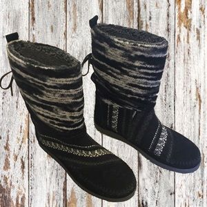 Toms Nepal Boots Black White Gray NEW Size 8